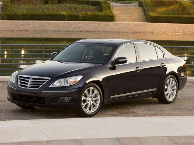 Хендэ Генезис (Hyundai Genesis) представляет собой седан бизнес-класса, который разработала компания Hyundai.
